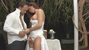 Bride Cunt