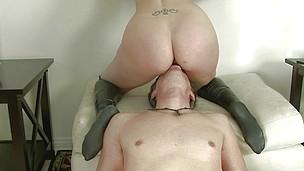 Blonde Booty
